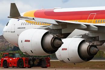 EC-JLE - Iberia Airbus A340-600