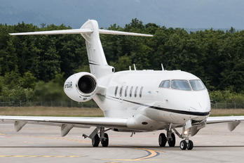 G-SCAR - Private Bombardier BD-100 Challenger 350 series