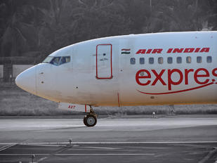 VT-AXT - Air India Express Boeing 737-800
