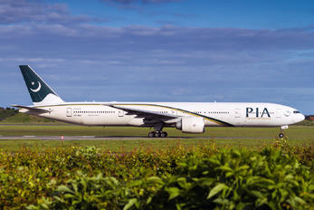 AP-BID - PIA - Pakistan International Airlines Boeing 777-300ER