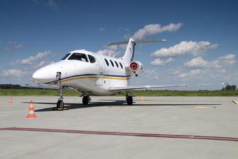 UR-FDB - Private Hawker Beechcraft 390 Premier