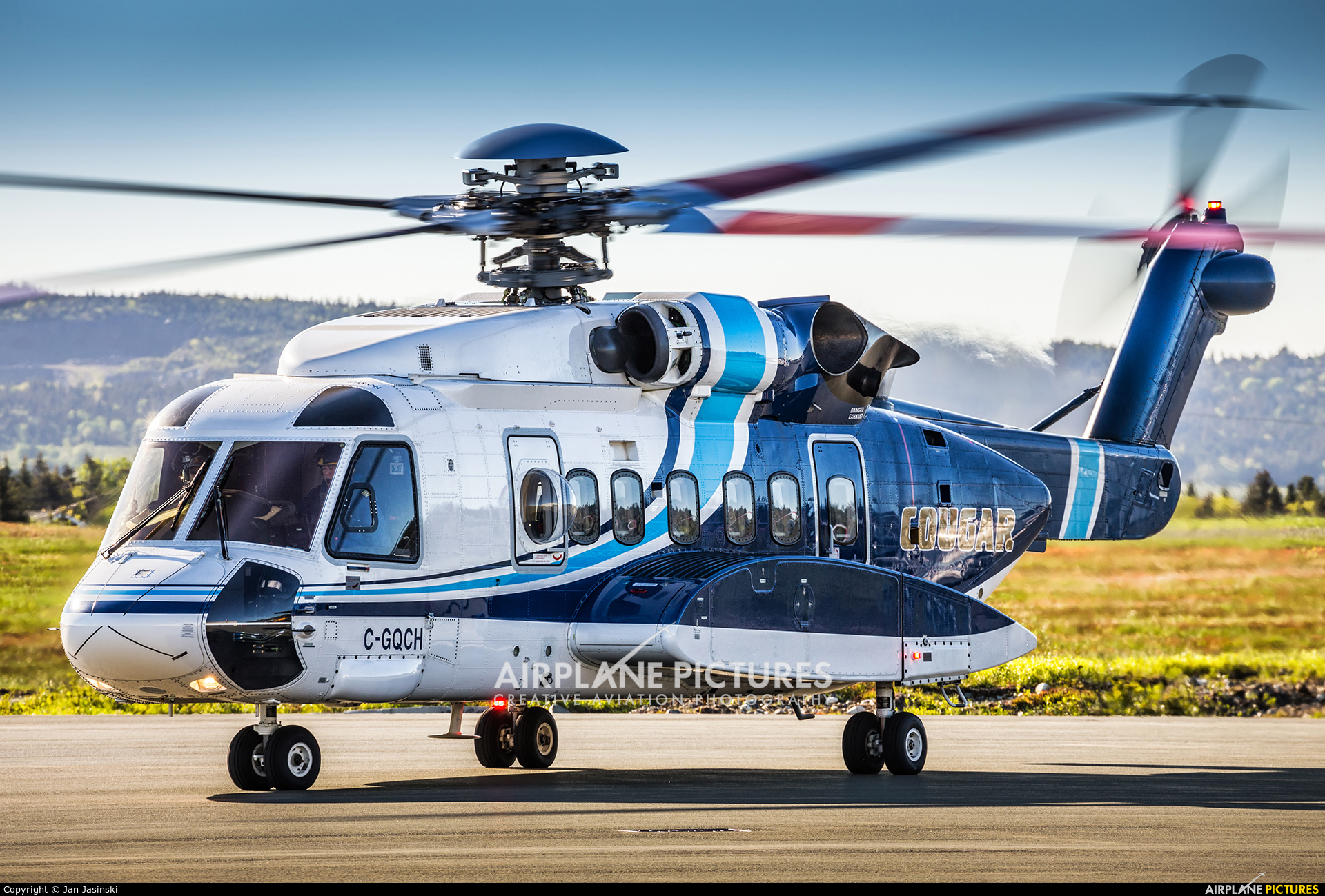 Camila Cabello Fifth Harmony Sexualised Too Young Solo in addition Tarjeta de cumpleanos espanola para la sobrina 137652259493988432 as well Col de la Croix  Jura in addition 577546 also C Gqch Cougar Helicopters Sikorsky S 92. on 577555