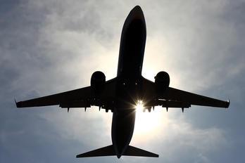 EI-DLZ - Ryanair Boeing 737-800