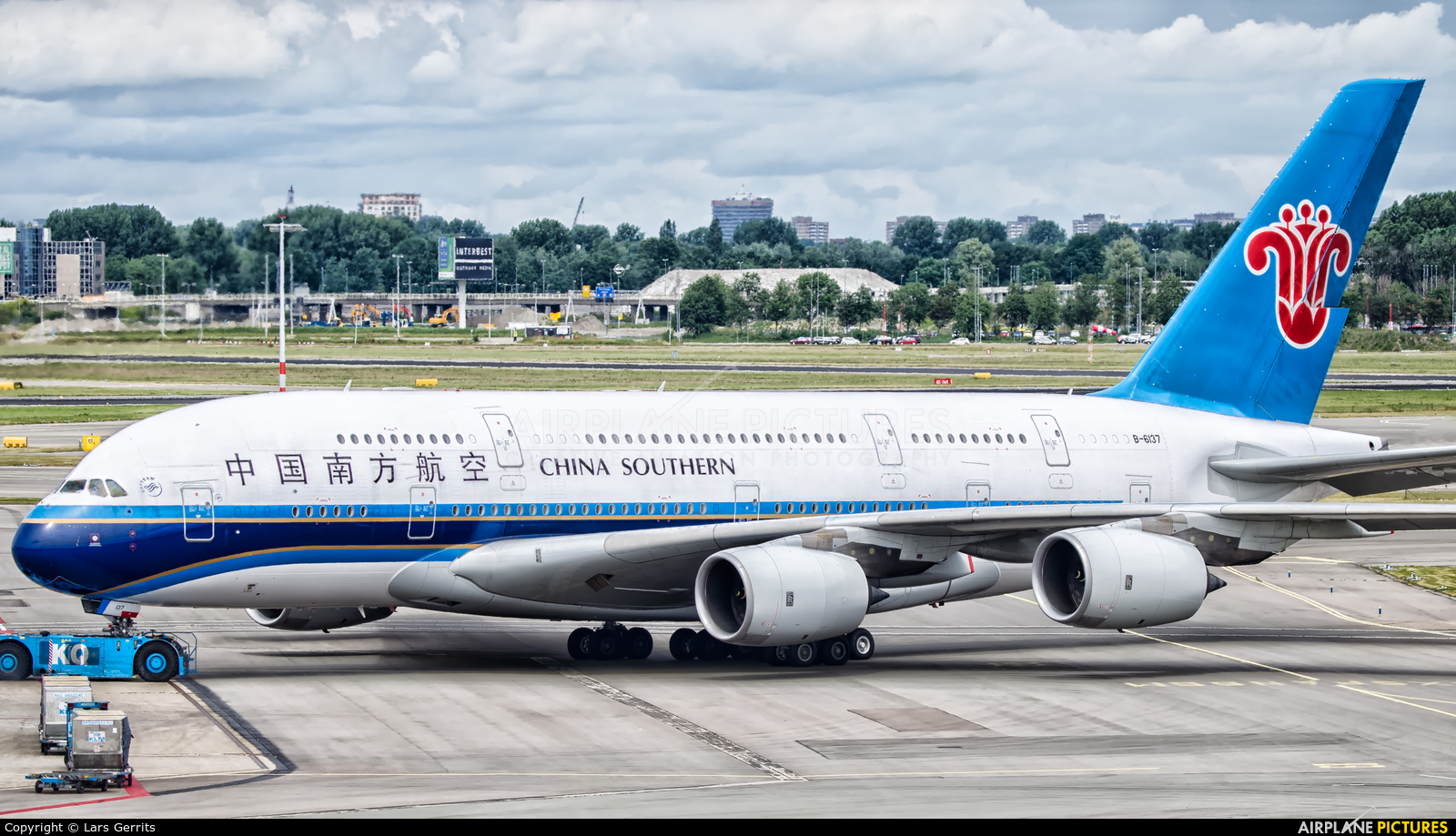 China Southern Airlines B-6137 aircraft at Amsterdam - Schiphol