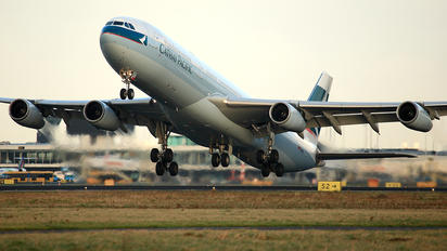 B-HXC - Cathay Pacific Airbus A340-300