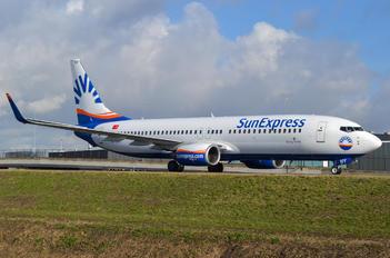 TC-SNY - SunExpress Boeing 737-800
