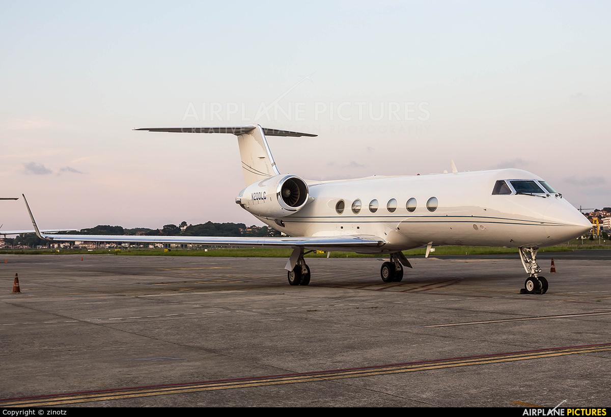 Private N200LC aircraft at San Sebastian