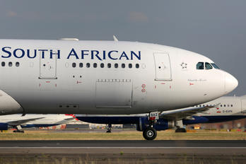ZS-SXZ - South African Airways Airbus A330-200