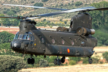 HT.17-16 - Spain - Army Boeing CH-47D Chinook