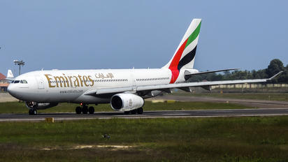A6-EAK - Emirates Airlines Airbus A330-200