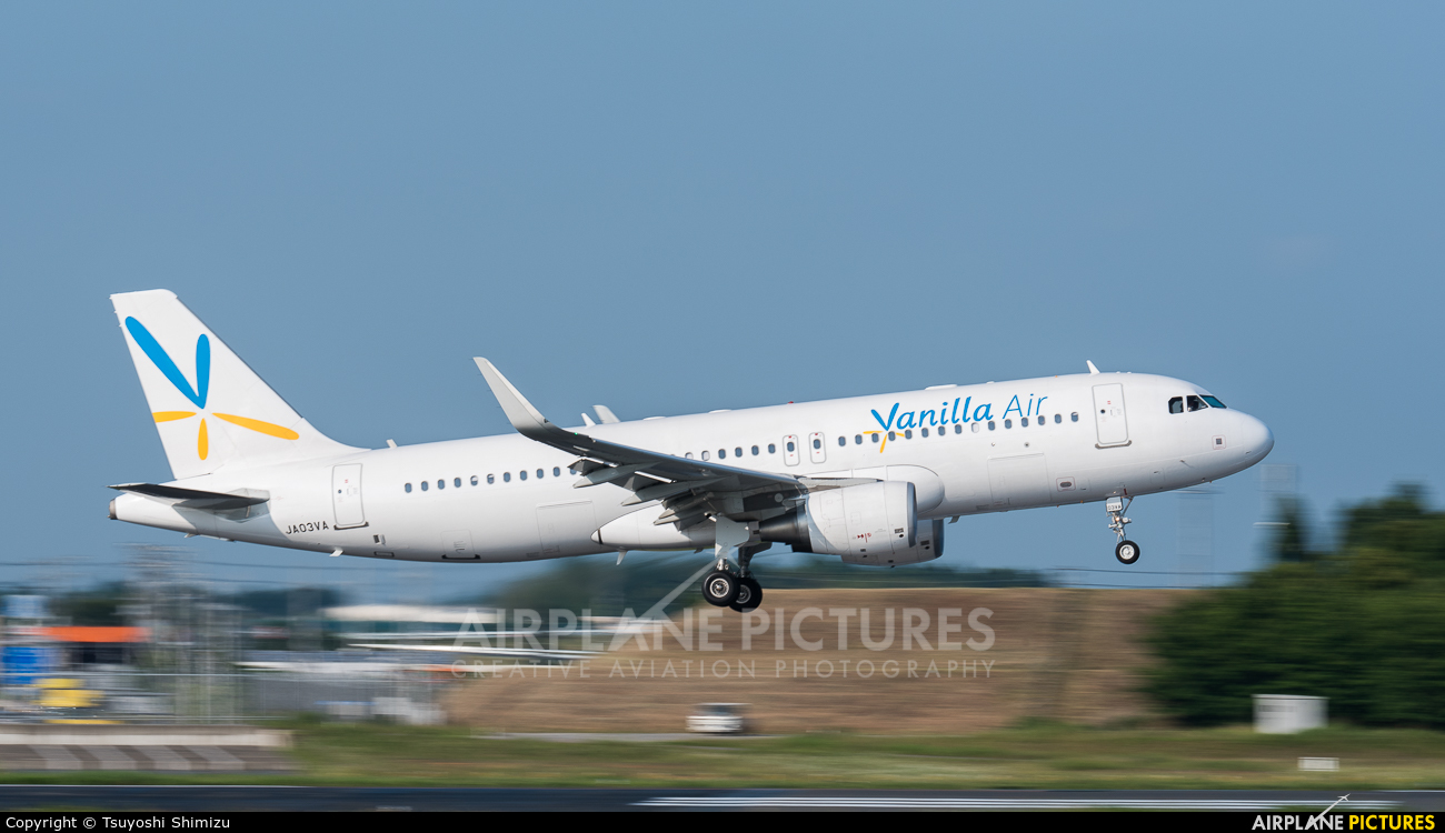 Vanilla Air JA03VA aircraft at Tokyo - Narita Intl