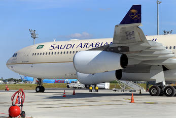 HZ-HMS2 - Saudi Arabia - Royal Flight Airbus A340-200