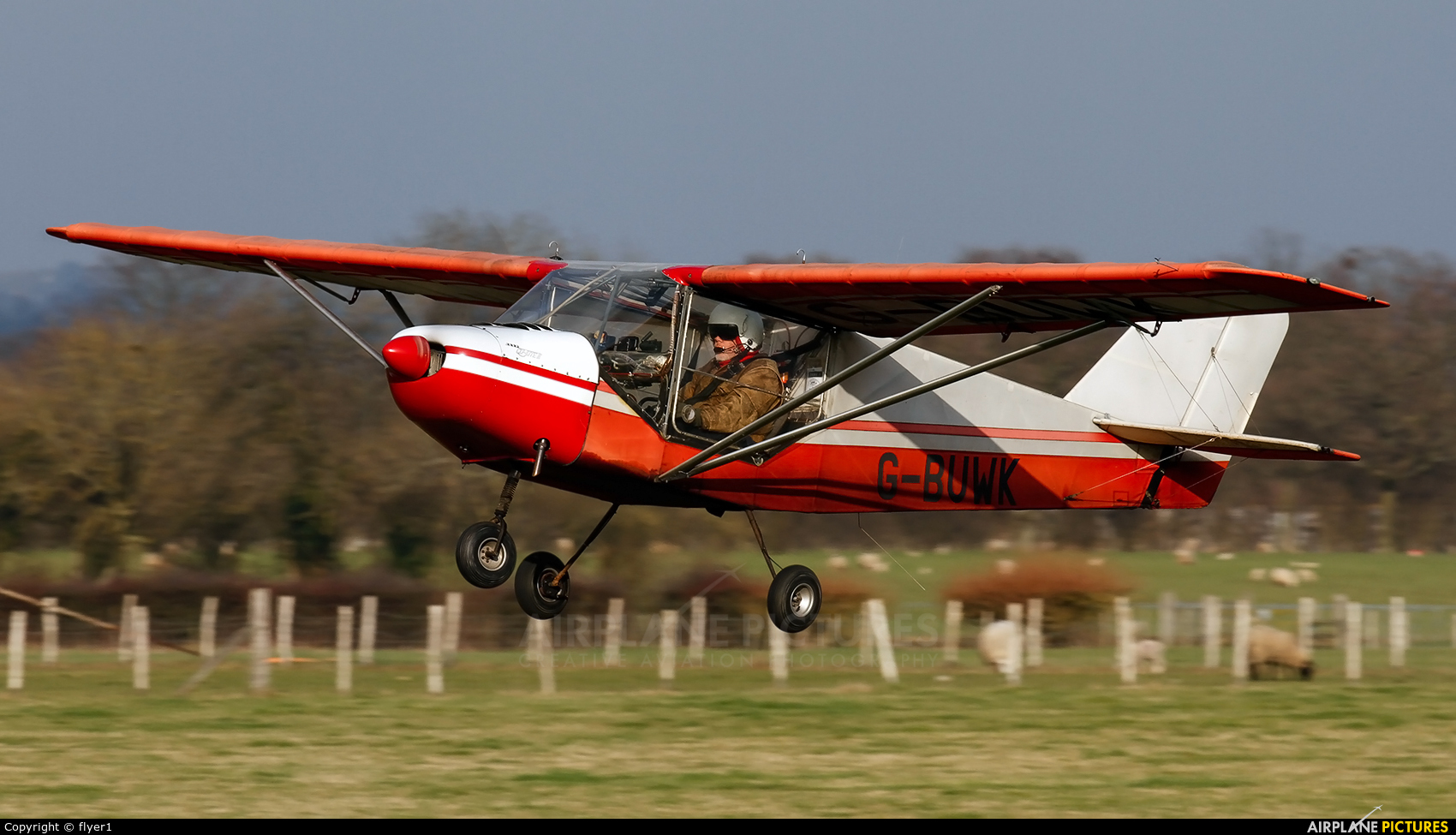 Private G-BUWK aircraft at Lashenden / Headcorn