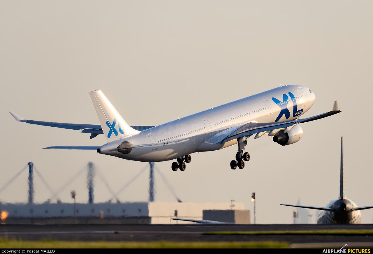 Cs tri xl airways france airbus a330 300 at paris for Airbus a330 xl airways interieur