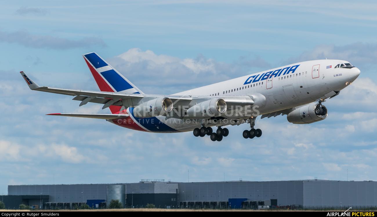 Cubana CU-T1250 aircraft at Paris - Orly