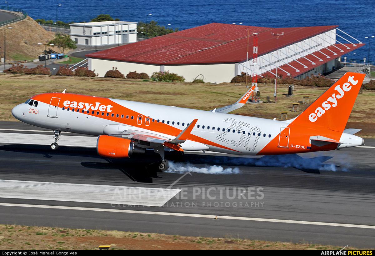 easyJet G-EZOL aircraft at Madeira