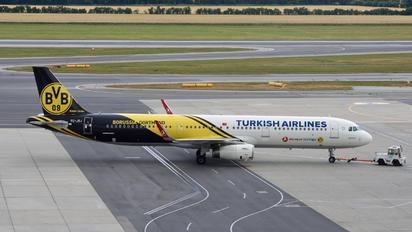 TC-JSJ - Turkish Airlines Airbus A321