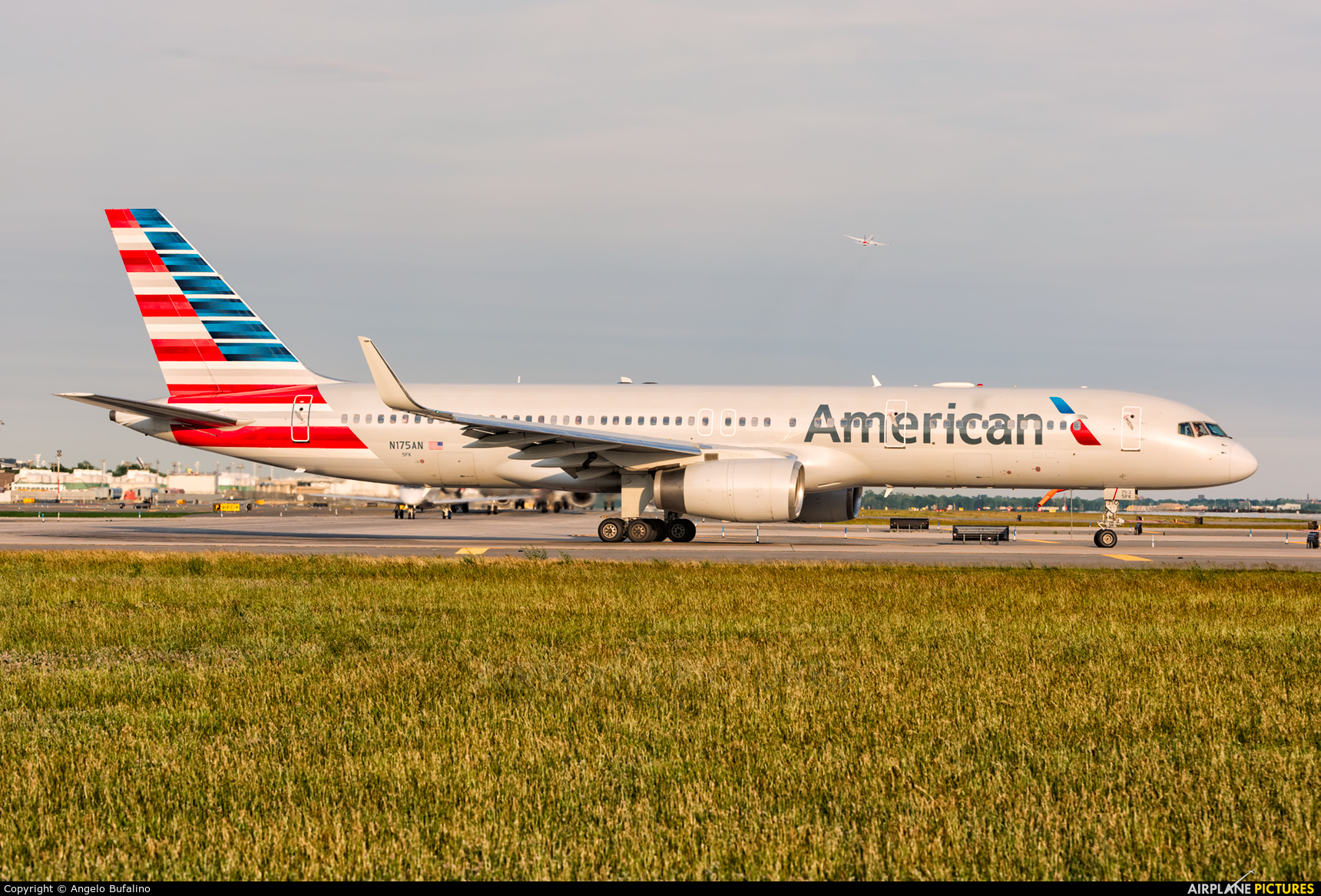 American Airlines N175AN aircraft at New York - John F. Kennedy Intl