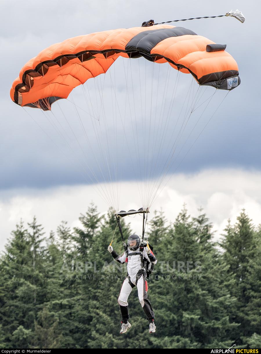 Private Parachute Parachutist At WiltzNoertrange  Photo ID 581317  Airplan