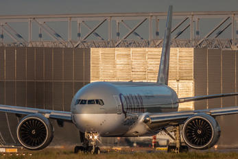 A7-BFD - Qatar Airways Cargo Boeing 777F