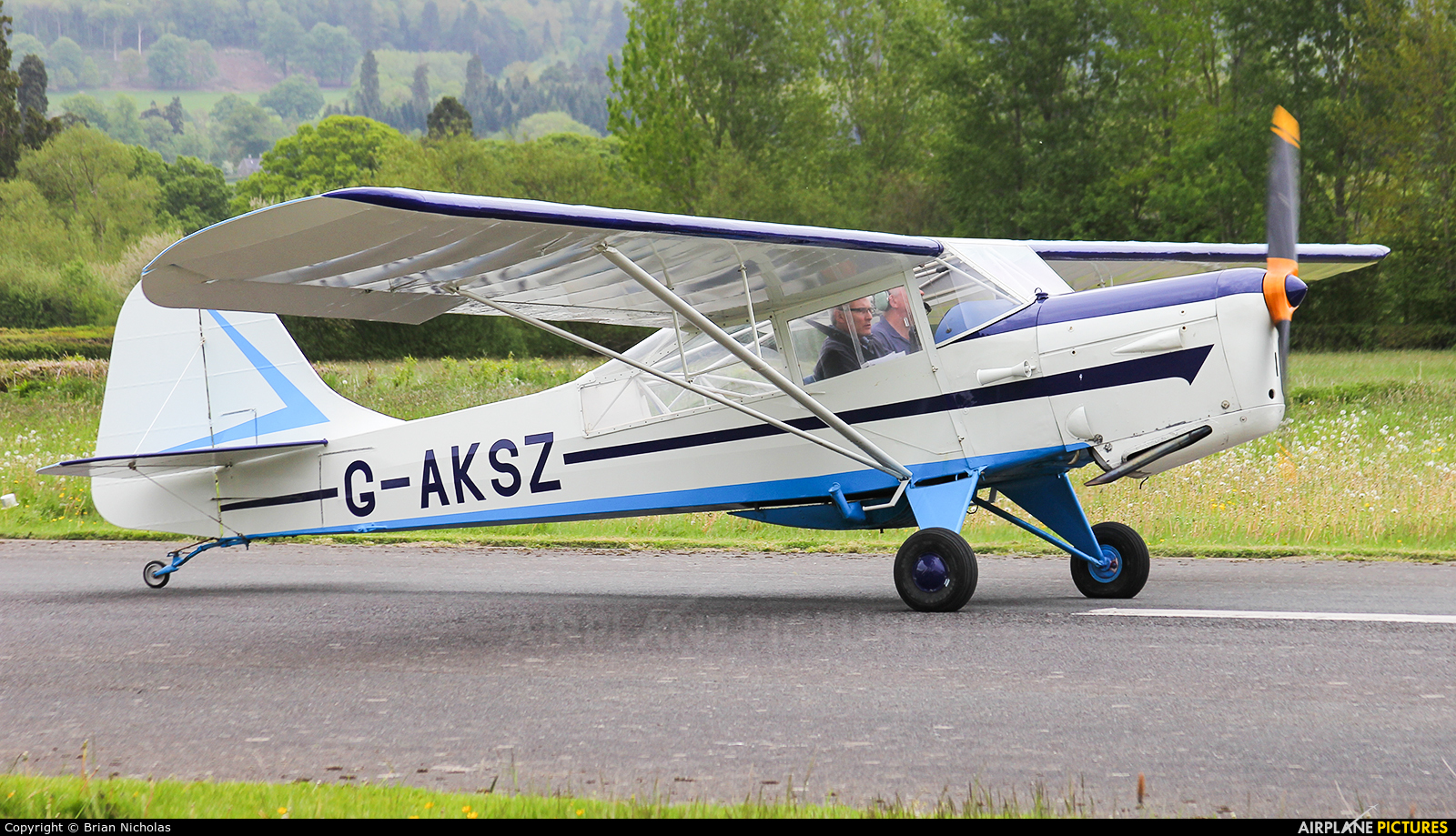 Private G-AKSZ aircraft at Welshpool