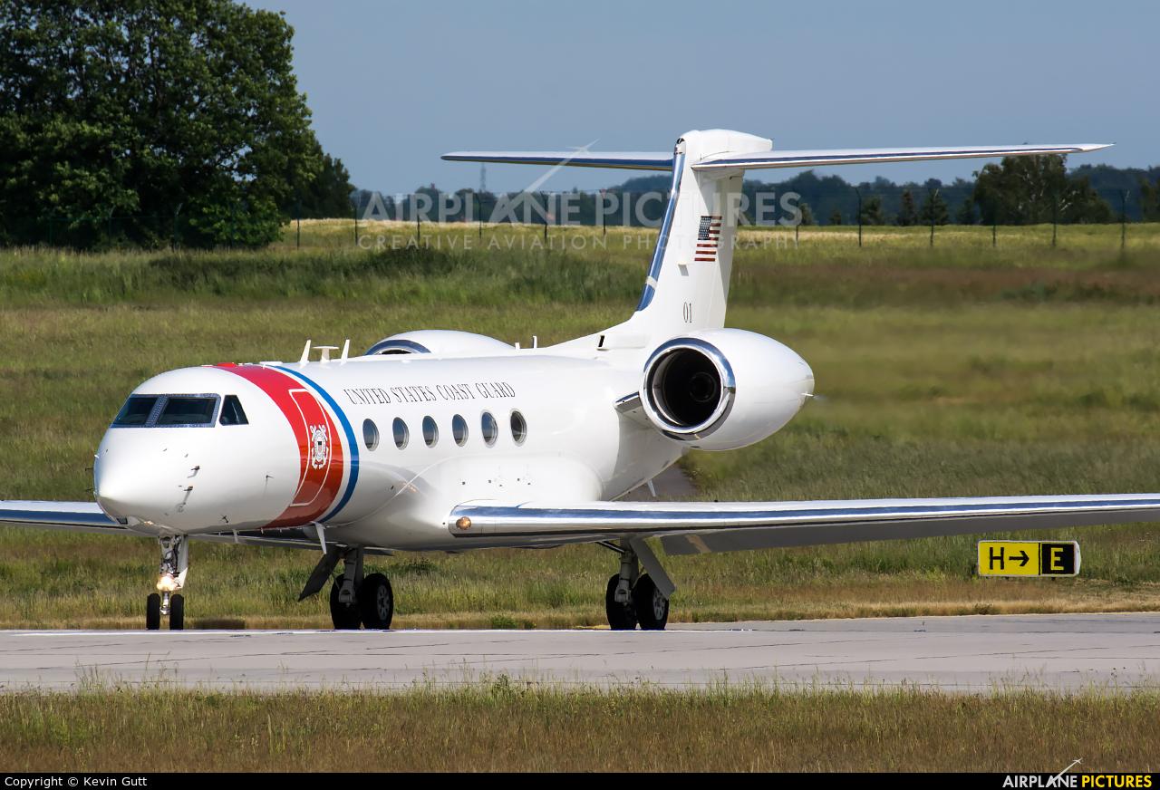 USA - Coast Guard 01 aircraft at Dresden