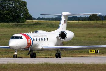 01 - USA - Coast Guard Gulfstream Aerospace C-37A