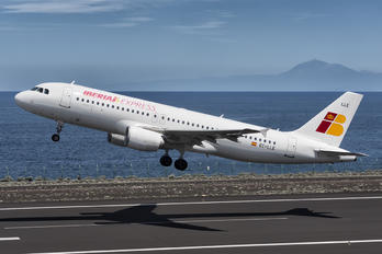 EC-LLE - Iberia Express Airbus A320