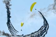 - - Parachute Parachute Parachutist aircraft