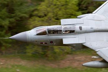 ZD742 - Royal Air Force Panavia Tornado GR.4 / 4A