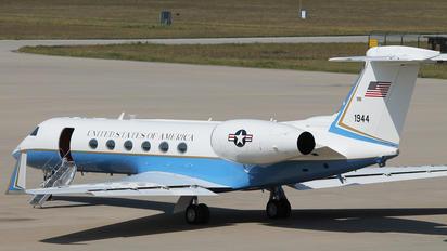 97-1944 - USA - Army Gulfstream Aerospace C-37B