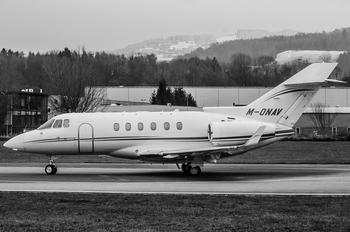 M-ONAV - Private Hawker Beechcraft 900XP