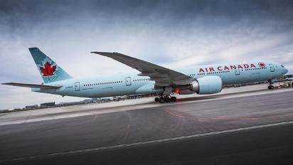 C-FNNQ - Air Canada Boeing 777-300ER