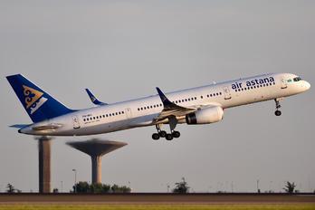P4-MAS - Air Astana Boeing 757-200