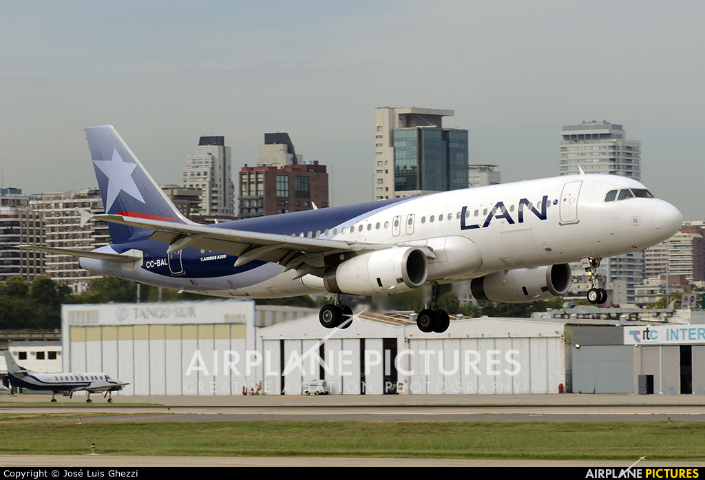 LAN Airlines CC-BAL aircraft at Buenos Aires - Jorge Newbery