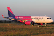 Wizz Air's new livery with sharklets title=