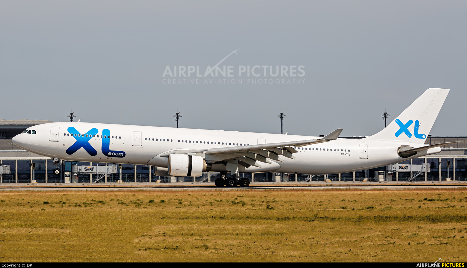 Cs tri xl airways france airbus a330 300 at berlin for Airbus a330 xl airways interieur