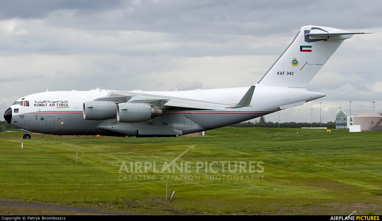 Kuwait - Air Force KAF342 aircraft at Birmingham
