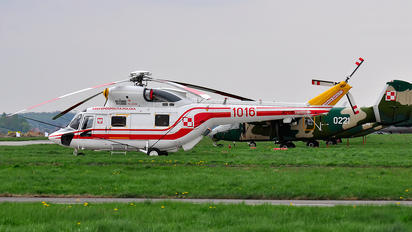 1016 - Poland - Air Force PZL W-3 Sokół