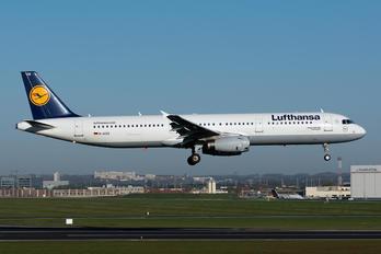 D-AISR - Lufthansa Airbus A321