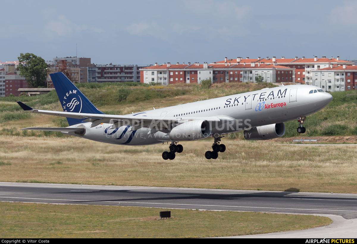 Air Europa EC-LNH aircraft at Lisbon