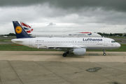 D-AIZA - Lufthansa Airbus A320 aircraft