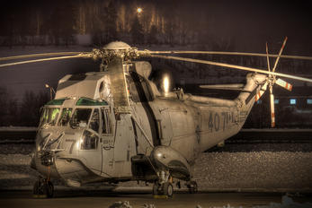 12407 - Canada - Air Force Sikorsky CH-124A Sea King