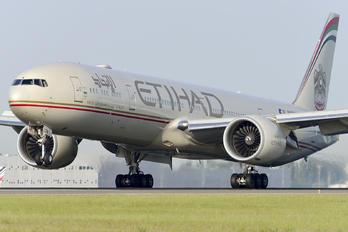 A6-ETN - Etihad Airways Boeing 777-300ER