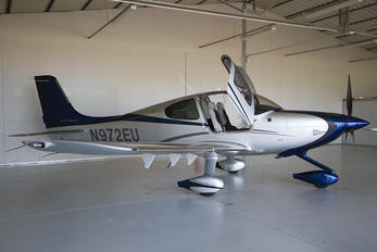 N972EU - Private Cirrus SR22