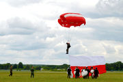 - - Poland - Army Parachute Military aircraft