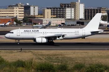 YL-LCL - Aigle Azur Airbus A320