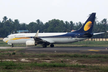 VT-JBM - Jet Airways Boeing 737-800