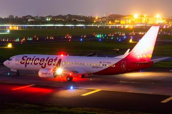 VT-SGG - SpiceJet Boeing 737-800
