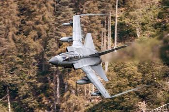 ZA405 - Royal Air Force Panavia Tornado GR.4 / 4A